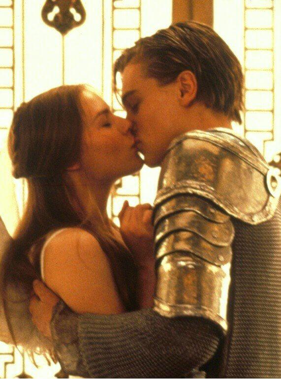 ди каприо умеет правильно целоваться, стоп кадр из видео