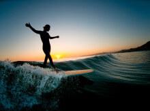 серфинг на волне
