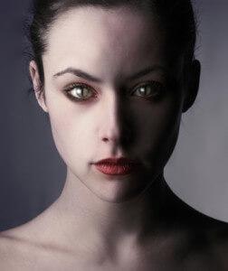 Девушка - энергетический вампир