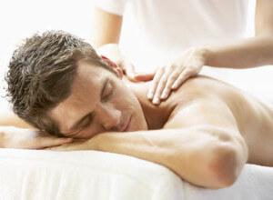 массаж снимает паническую тревогу и напряжение с тела