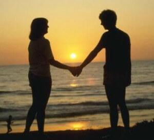первое свидание между парнем и девушкой на берегу моря