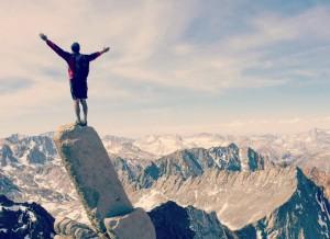 покорив вершину горы, человек может стать увереннее в своих силах