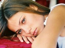Девушка не может избавиться от грусти и депрессии
