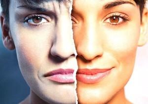 разные эмоции на лице девушки